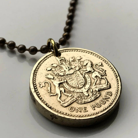1983 United Kingdom Pound coin pendant British arms golden lion unicorn London Scotland Ireland England Wales Scottish n001683