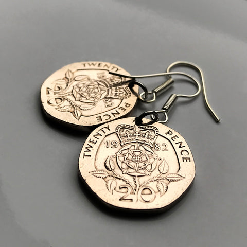 1982 England United Kingdom 20 Pence coin earrings English Tudor Rose Lancaster York Somerset Bath Taunton War of the Roses British jewelry London Manchester Sheffield Liverpool Leeds Great Britain e000035