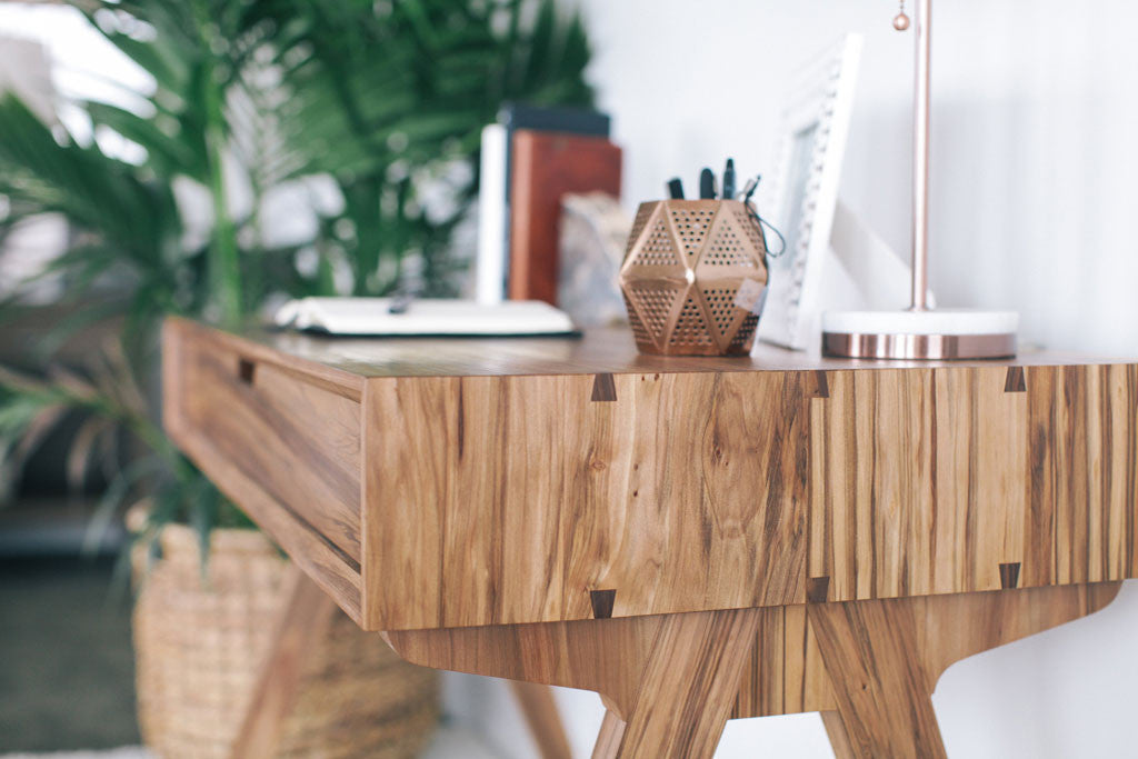 Desk-solid-wood-redgum-dovetail-detail-I
