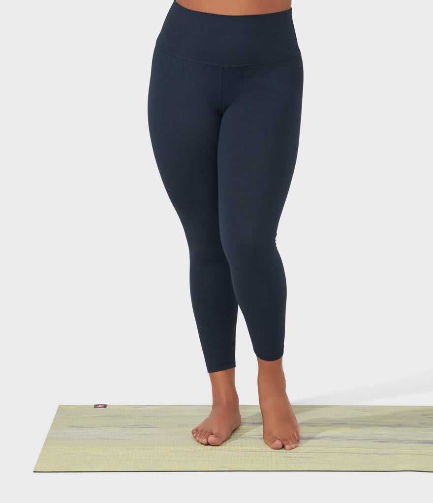 Manduka Apparel - Women's Foundation Legging - High Rise 7/8 W/Media Pocket - Navy