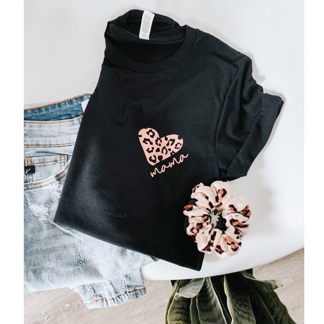 """Mama"" Rose Gold Leopard Heart Black Unisex Crewneck T-Shirt"