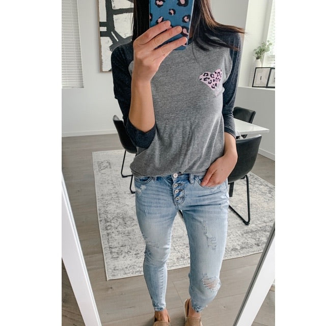 "Pink Leopard Heart ""Mama"" Ladies Adult Grey/Charcoal Raglan Shirt - Size Small"