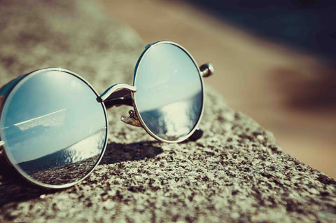 use sunglasses for protecting eyes in the sunlight