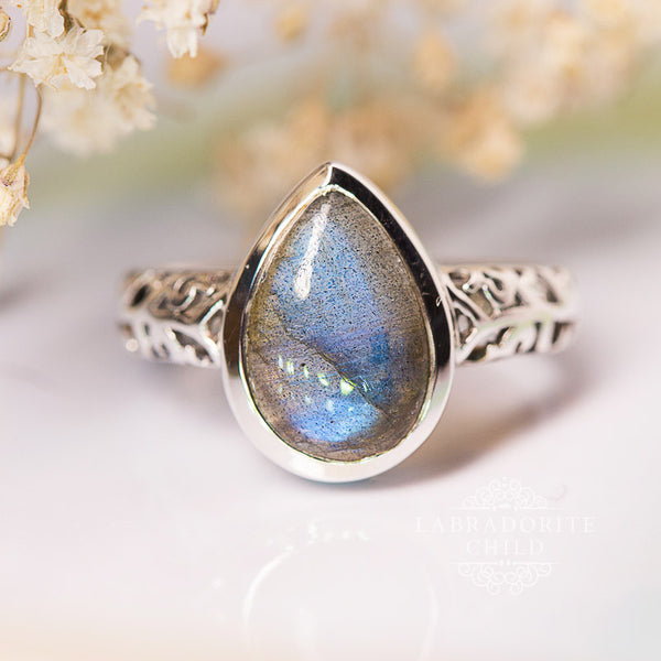 Labradorite Ring - Drop of Jupiter