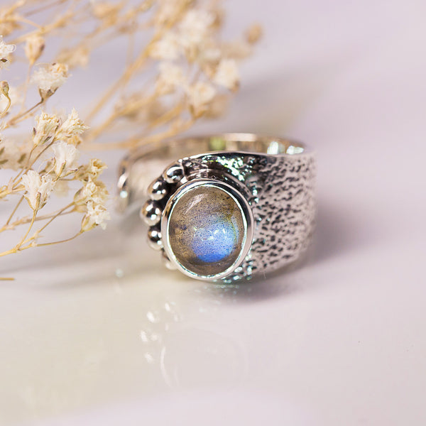 Labradorite Ring - Fancy Cilia