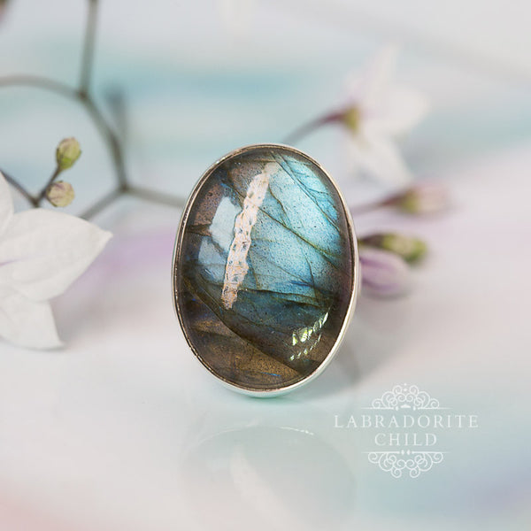 Labradorite Ring - Gracefulness