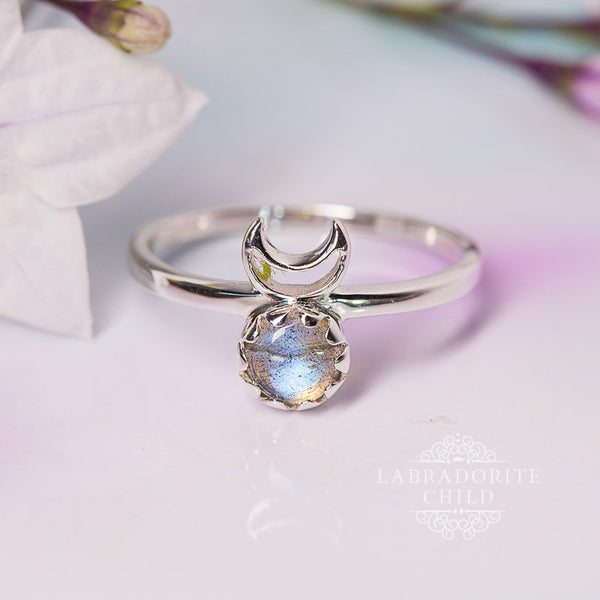 Labradorite Ring - Lunar Love