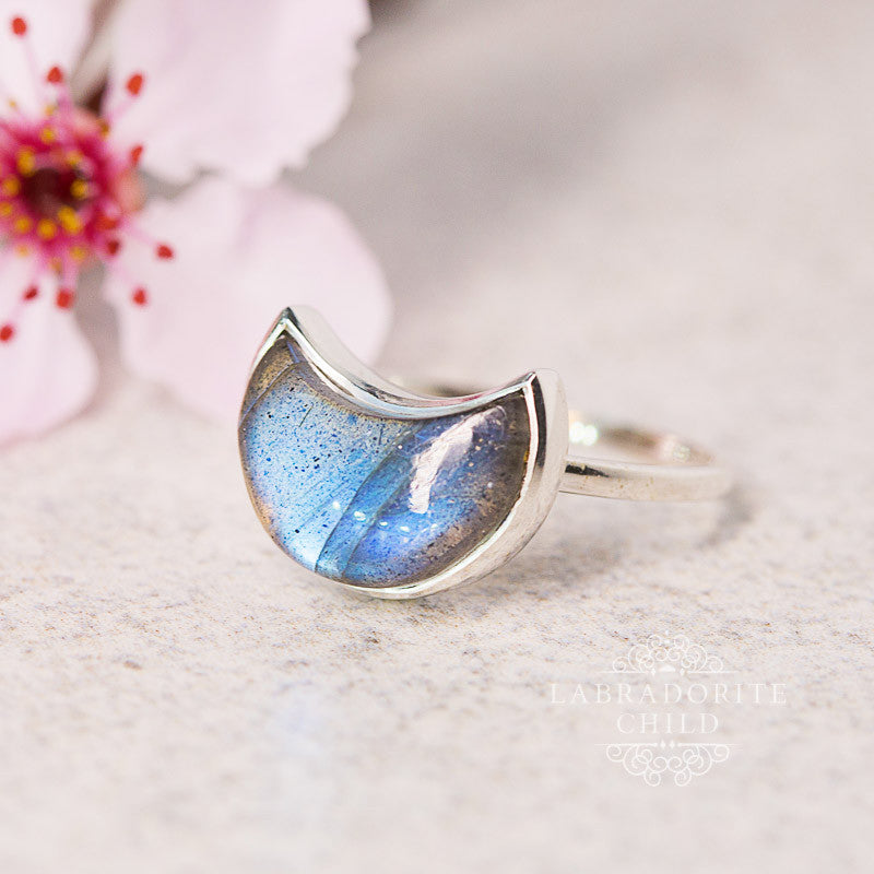 Labradorite Ring - Moon Goddess