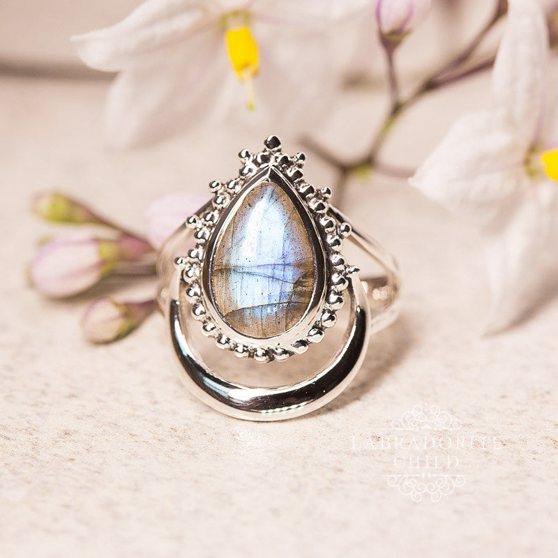 Labradorite Ring - Moonlight Shadow