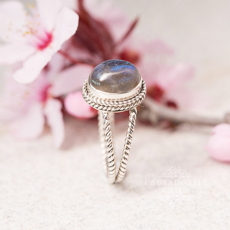 Labradorite Ring - Lynx Light
