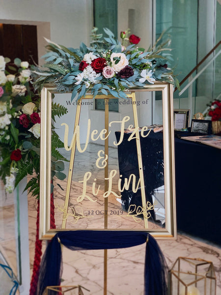 Gold frame welcome signage with customised words