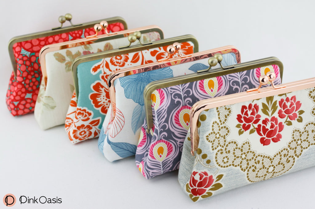 Floral Bridesmaids Clutches for Tropical Garden Wedding Party | PINKOASIS