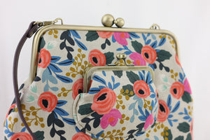 Rustic English Roses Floral Crossbody Bag | PINK OASIS