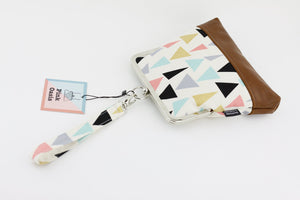 Colorful Triangle Patterns Wristlet  | PINKOASIS