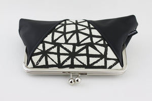 Black & White Triangles Kisslock Clutch  | PINKOASIS