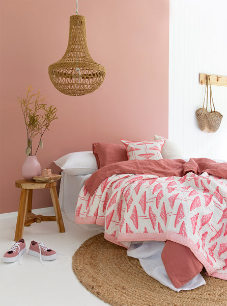 Pink Pretty Parasols Quilt (King Single) IAE4