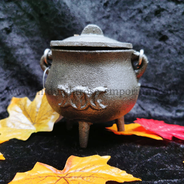 Triple Moon Cast Iron Cauldron 7cm