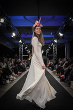 Lataa kuva Galleria-katseluun, bohemian wedding dress made in Finland, bohemian wedding dress made in Finland