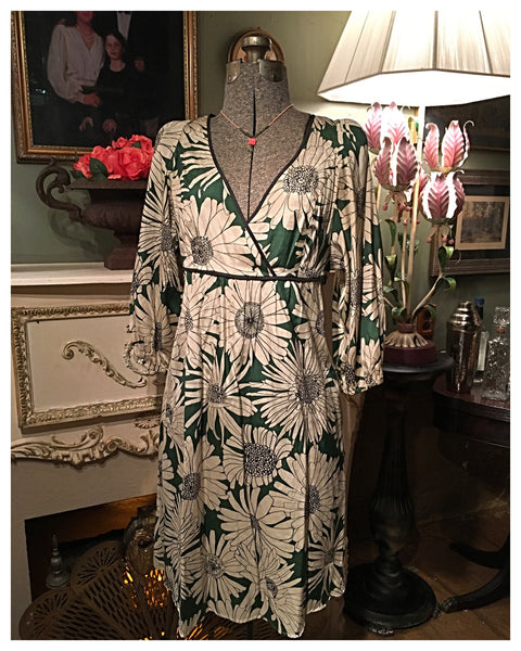 Daisies Green Dress Size Small