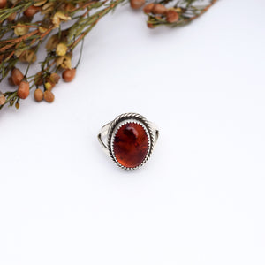 Amber Simple Twist Ring : Size 8