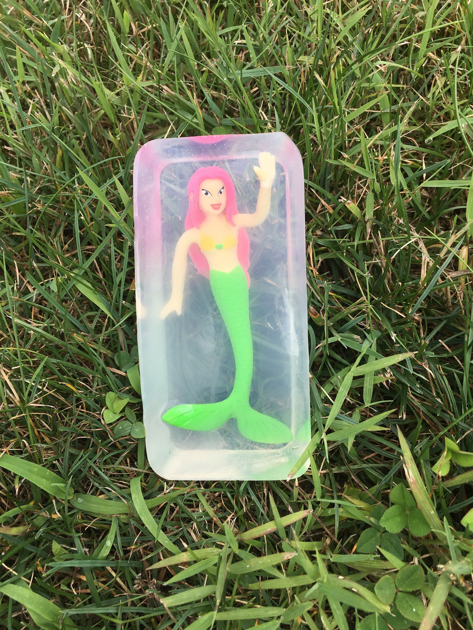 Toy Embedded Mermaid Soap Set of 2