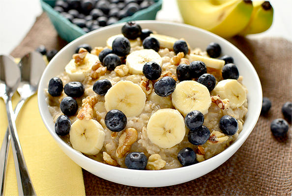 BANANA BLUEBERRY POWER OATS