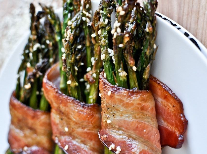 BACON-WRAPPED CARAMELIZED ASPARAGUS
