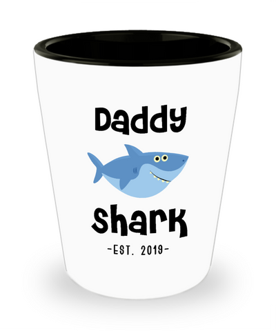Daddy Shark Father's Day Gifts New Dad Est 2019 Do Do Do Expecting Dad Pregnancy Announcement Ceramic Shot Glass