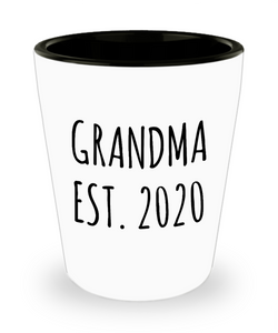 Grandma Est 2020 Grandmother Reveal Gifts Grandma New Grandma Gift Idea For Grandma Baby Announcement Ceramic Shot Glass
