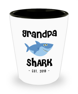 Grandpa Shark Mug New Grandpa Est 2019 Do Do Do Expecting Grandpas Baby Shower Pregnancy Reveal Announcement Gifts Ceramic Shot Glass