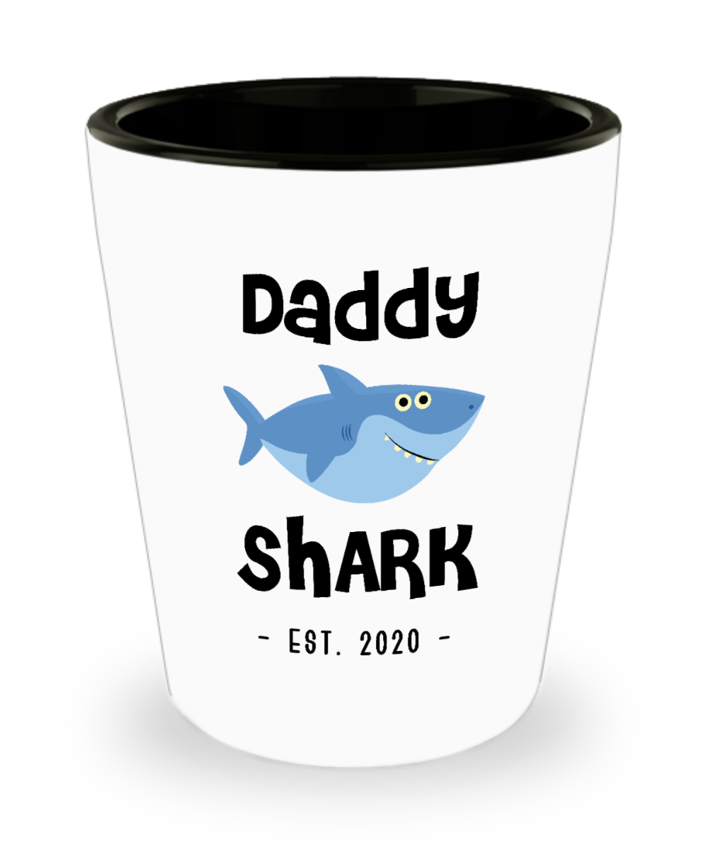 Daddy Shark Shot Glass New Dad Est 2020 Do Do Do Expecting Dad Pregnancy Announcement Father's Day Gifts