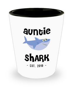 Auntie Shark New Aunt Est 2019 Do Do Do Expecting Aunt Pregnancy Reveal Announcement Gifts Ceramic Shot Glass