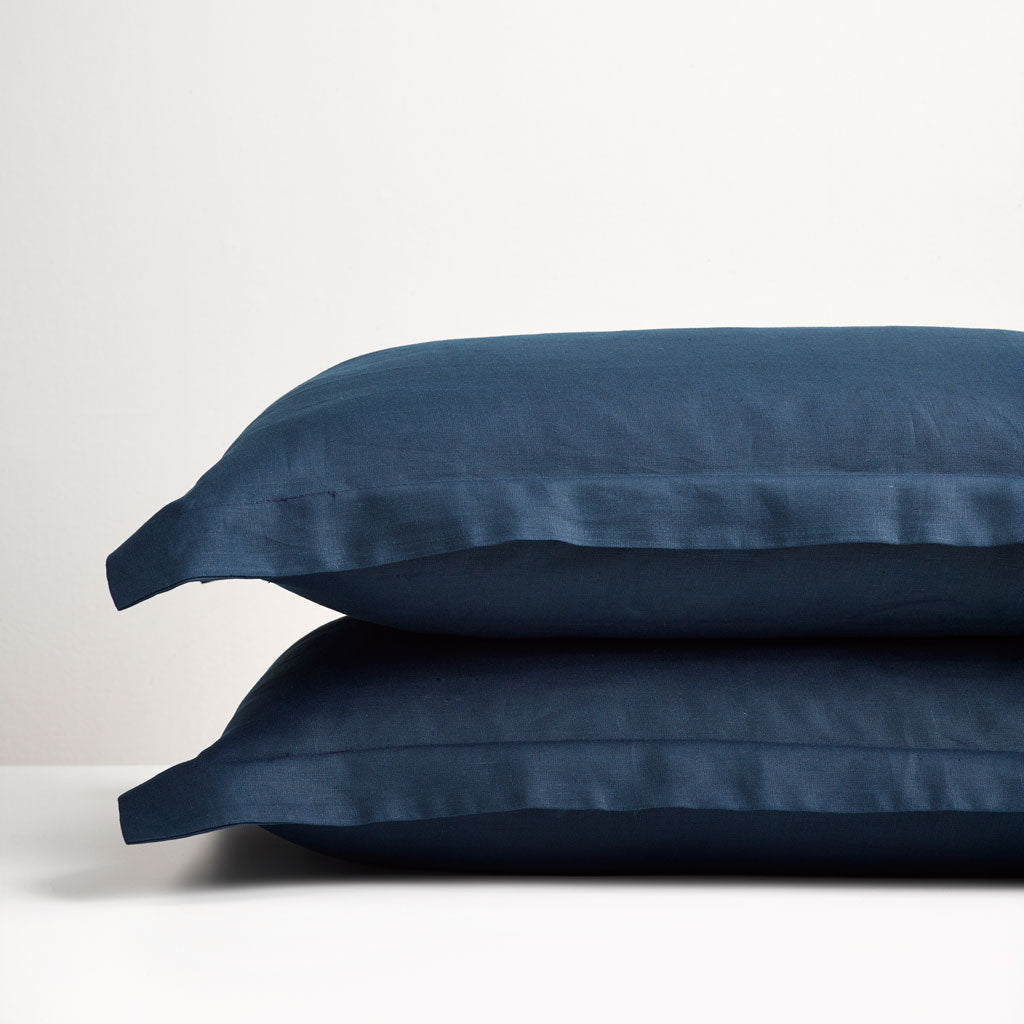 Navy Linen Oxford Pillowcases Thread Design