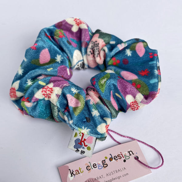Kat Clegg - Scrunch - Flower Pop
