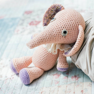 Cuddly Amigurumi Toys: 15 New Crochet Projects by Mari-Liis Lille