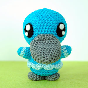 Pocket Amigurumi: 20 Mini Monsters to Crochet & Collect by Sabrina Somers
