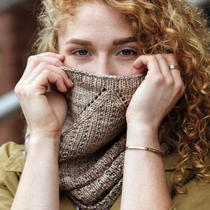Chai Latte Cowl by Lori Wagner - Gift Set with Book