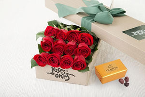 Red Roses Gift Box 12 & Godiva Chocolates