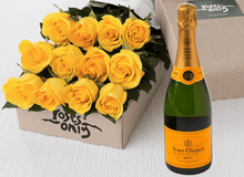 12 Yellow Roses Gift Box & Champagne - Roses Only