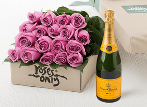 18 Mauve Roses Gift Box & Champagne - Roses Only