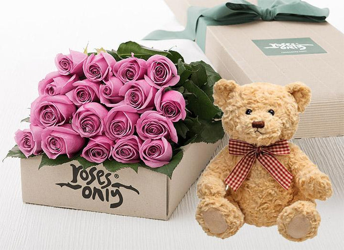 18 Mauve Roses Gift Box & Teddy Bear
