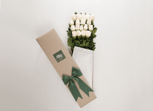 White Cream Roses Gift Box 18