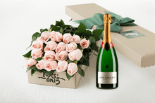 18 Pastel Pink Roses Gift Box & Champagne