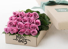 18 Mauve Roses Gift Box - Roses Only