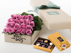 18 Mauve Roses Gift Box & Gold Godiva Chocolates - Roses Only