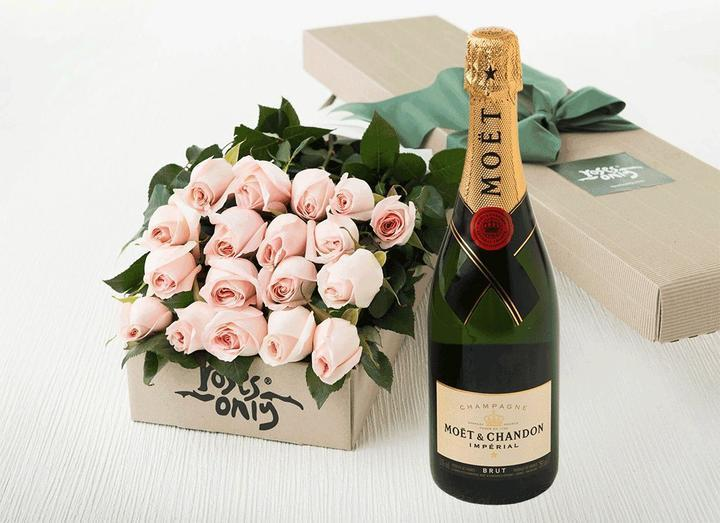 18 Pastel Pink Roses Gift Box & Champagne - Roses Only