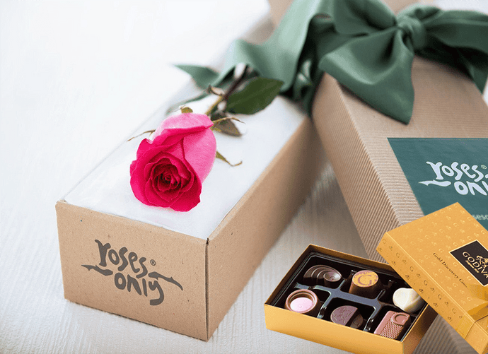 Single Bright Pink Rose Gift Box & Gold Godiva Chocolates - Roses Only