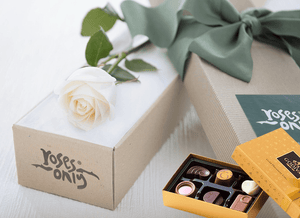 Single White Cream Rose Gift Box & Gold Godiva Chocolates - Roses Only