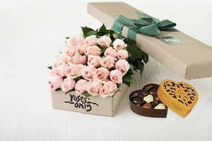 Pastel Pink Roses Gift Box ( 24 Flowers )& Gold Godiva Chocolates(6PC)