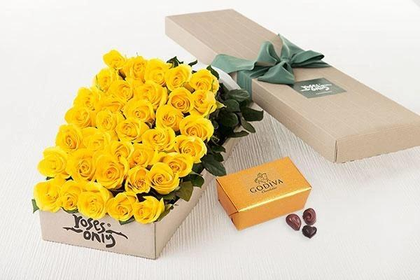 Mother's Day 36 Yellow Roses Gift Box & Gold Godiva Chocolates